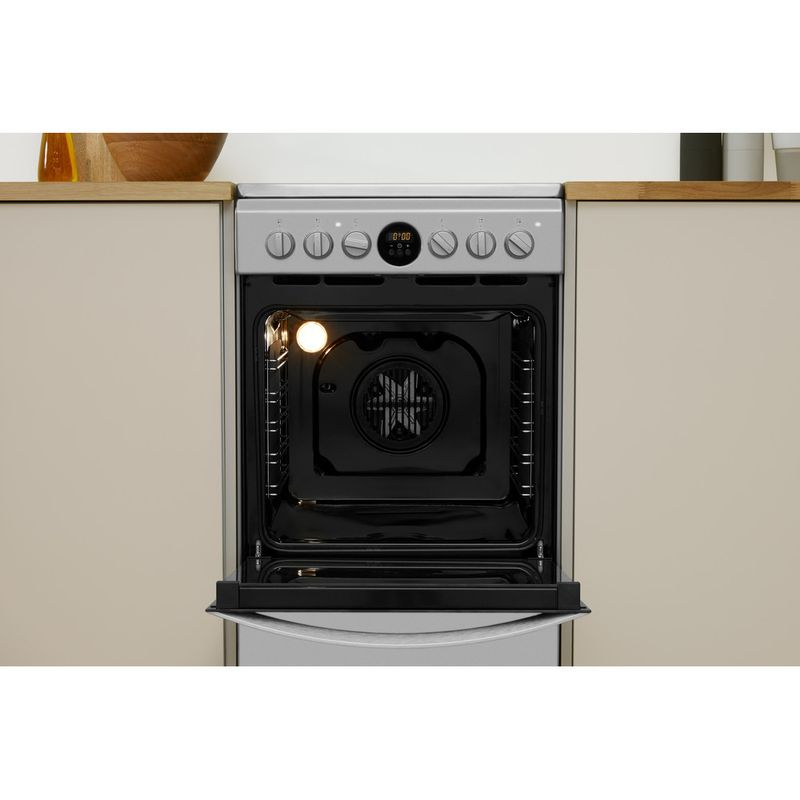 Indesit-Плита-IS5V5CCX-EU-Inox-Electrical-Lifestyle-frontal-open